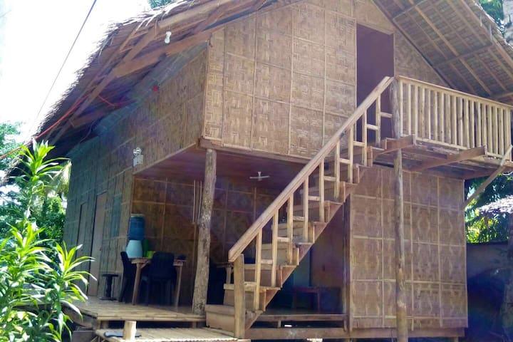 Budget hostel in Siargao, General Luna for 2 pax