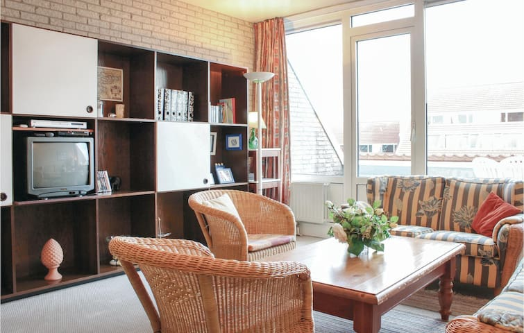 Holiday apartment with 2 bedrooms on 79m² in Bruinisse