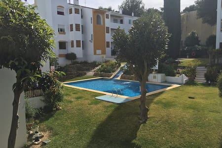 Schönes Apartment mit Pool - Sitio de Calahonda