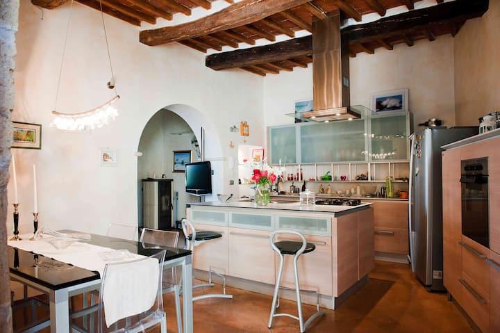"""Cittadella 13  """" romantic house in Tuscany"""""""