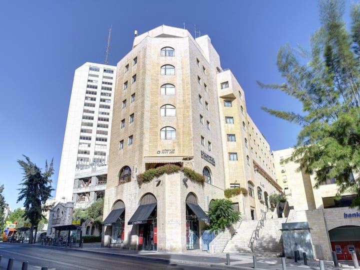 נכס במלון לב-ירושלים