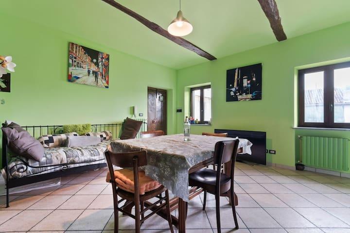 Acogedor apartamento en Frazione Sessant en Monferrato con jardín