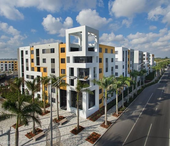 Luxury Doral Apartment at the heart of Miami City.