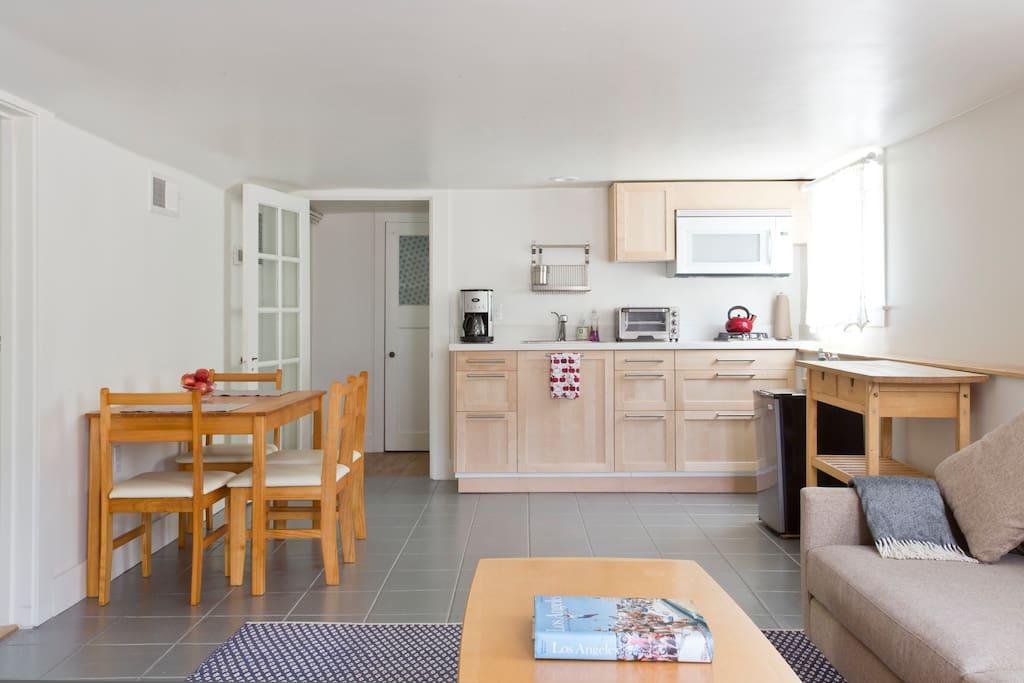 2 Bedroom Family Friendly Berkeley Apartment Apartments For Rent In Berkeley California