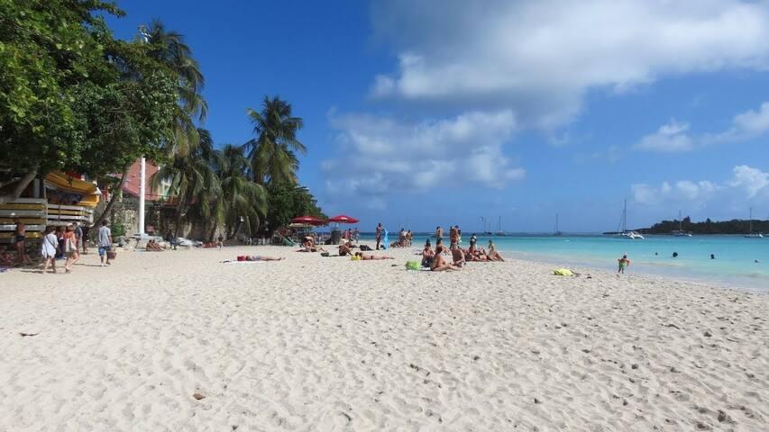 T1bis centre Gosier, 2 mn à pied plage Datcha🏖♥️