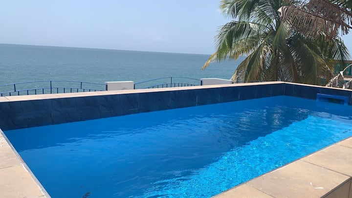 2 BDRM, 2 BATH, SMALL DIPPING POOL, OCEAN FRONT