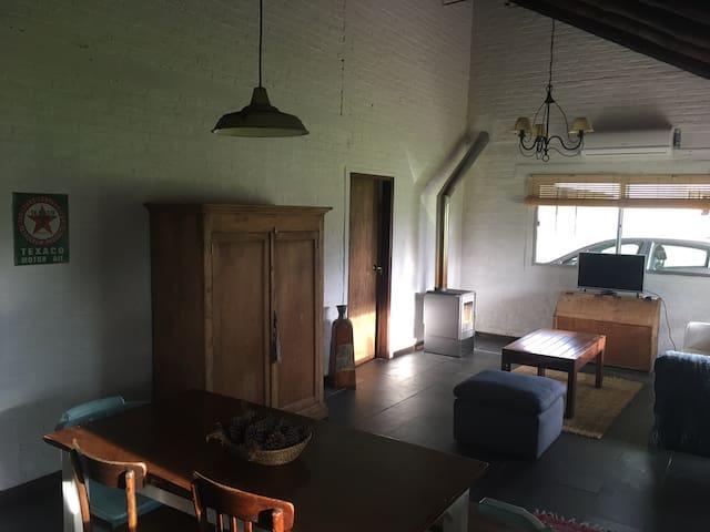 Casa equipada Pueblo Centenario cerca de Obra UPM