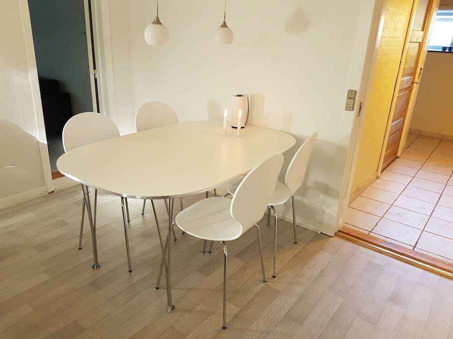 Spise plads til 6 personer