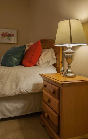 Bedroom #1, Queen