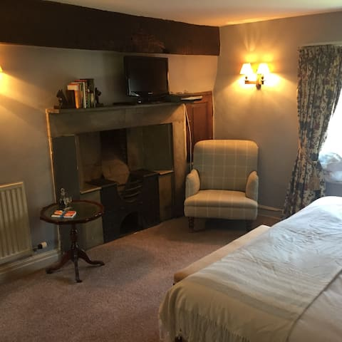 B&B next to Traditional Pub - Michaelchurch Escley - Bed & Breakfast