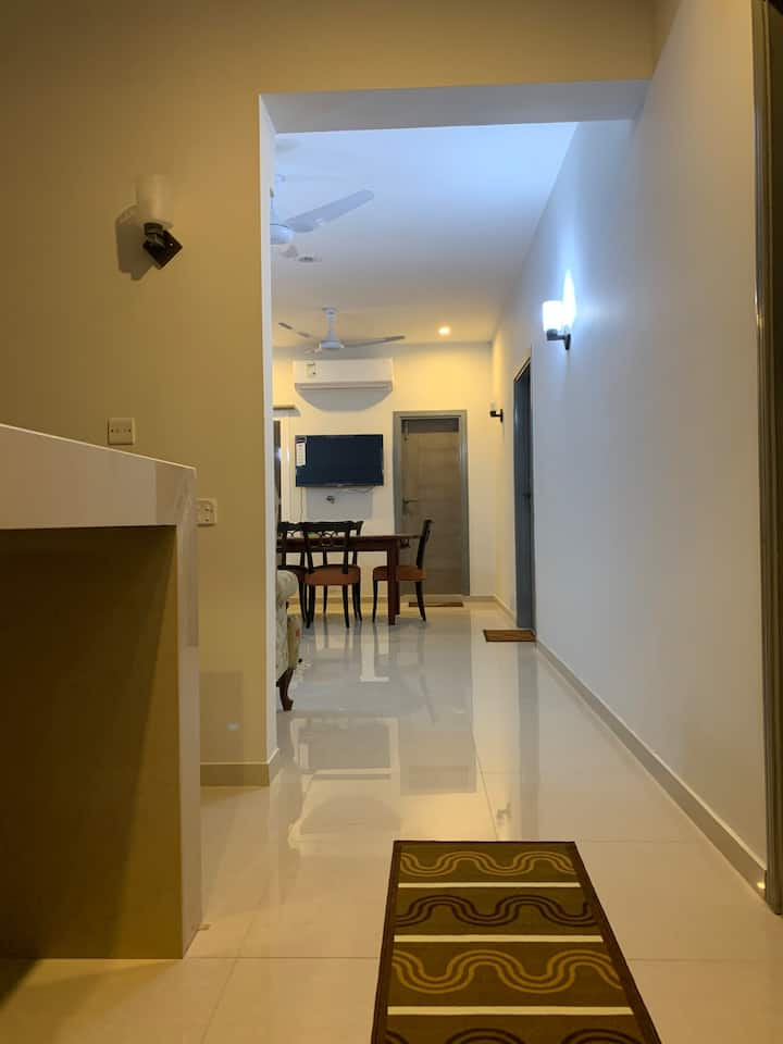 The Central 2 Bed Apartment - She Faisal