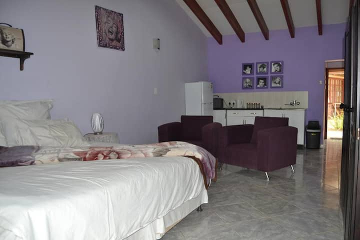 Impact Self Catering - Twin Suite 7