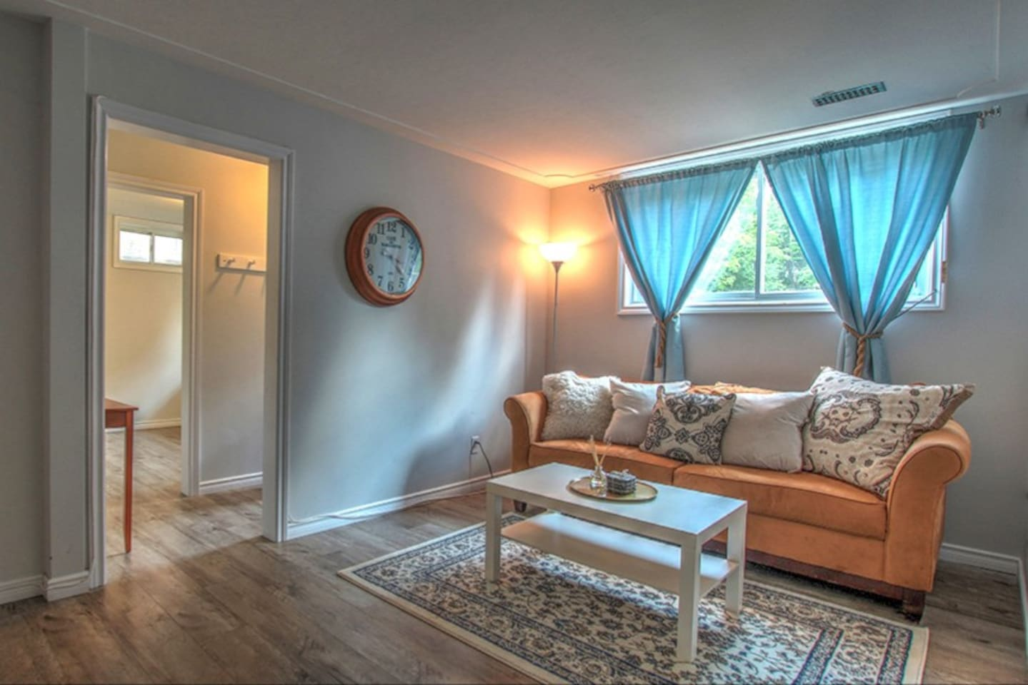 Centrally Located Modern Apartment! - Apartments for Rent in ...