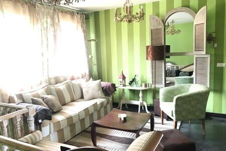 Coqueto duplex con chimenea