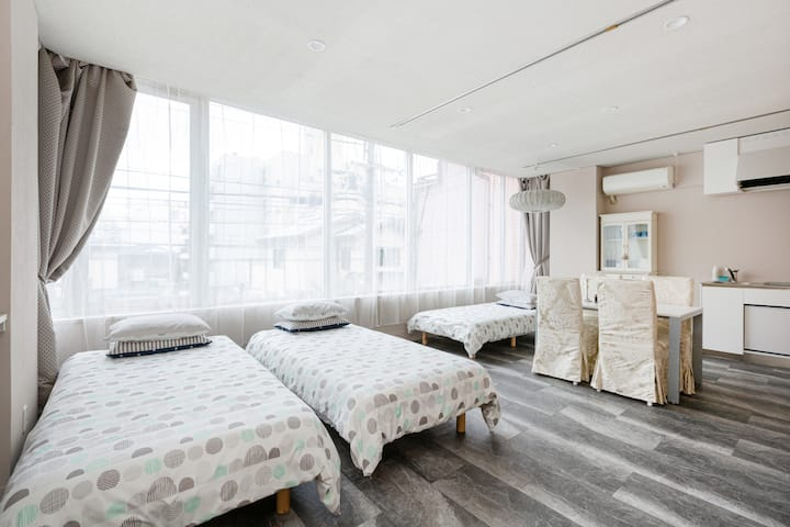 Very convenient location! brandnew beautiful RoomB
