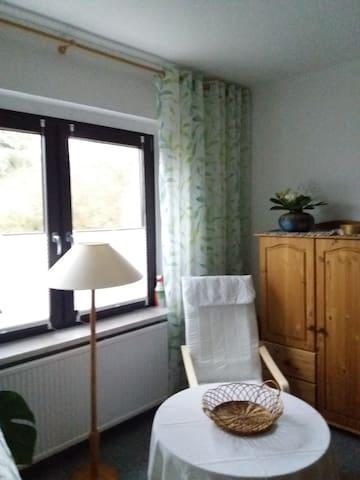 Frühlingshaftes Gästezimmer in Frankfurt (Oder)