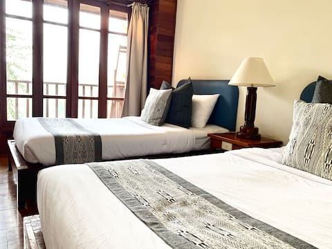 The Riverhouse-Twin Room-RiverView