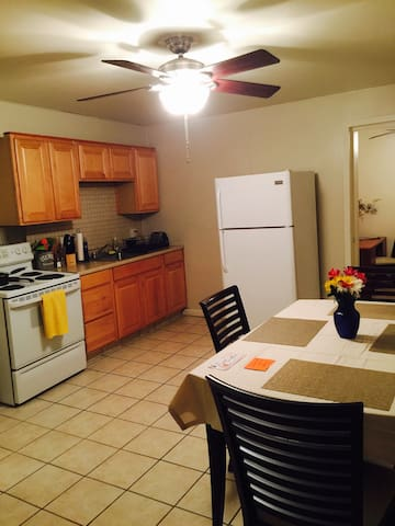 Uptown Apartment - right up from Pittsburgh! - Pittsburgh - Apartemen