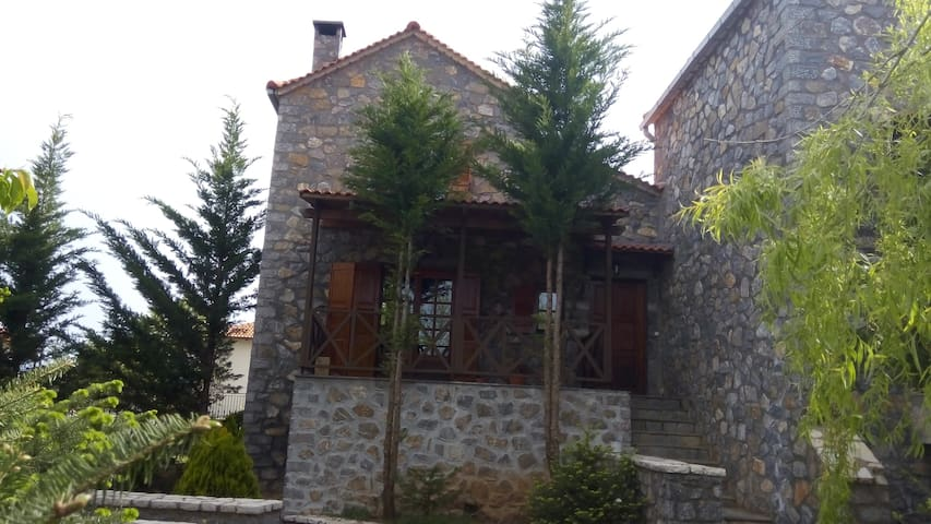 Beautiful stone house in Vitina