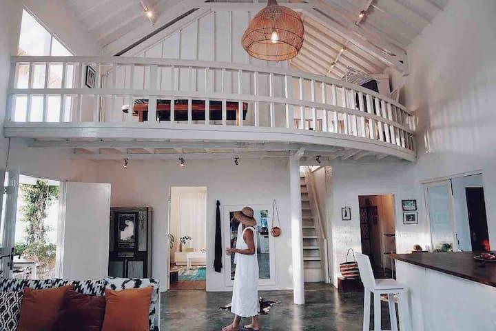 Spacious & Bright boutique Villa - Samadhi Villa