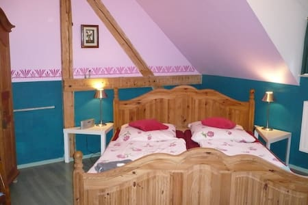 """Doppelzimmer """"Alpenglühen"""" in der Villa Viva - Bassum - Bed & Breakfast"""