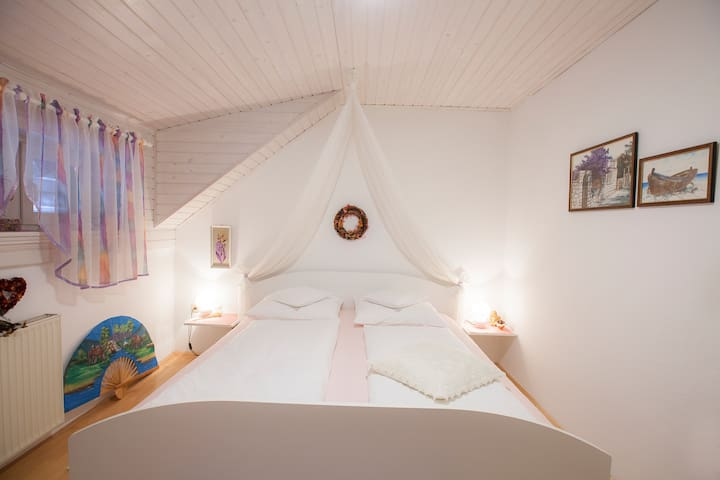 BEAUTIFUL DOUBLE ROOM - Zgoša - Leilighet