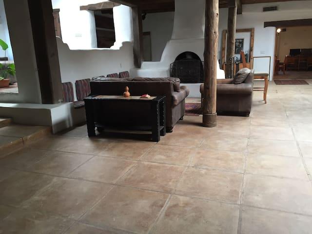 Plaza de Milagros Bunk Room - Taos - บ้าน