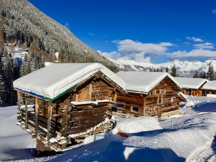 Dream chalet with home cinema & hot tub
