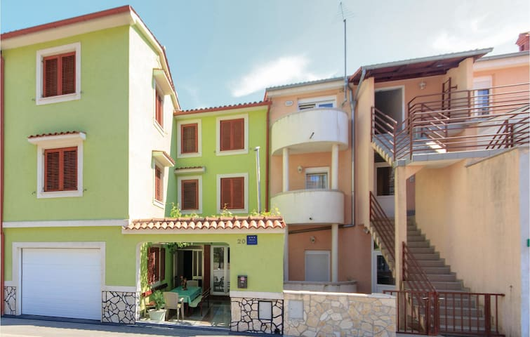 88 m² Apartment for 7 in Pula