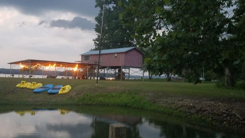 Camping with Kayaks on the Mississippi River #2!