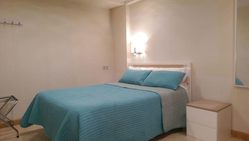 Habitación centrica.Wi-Fi,Tv,Cocina - Vitoria-Gasteiz - บ้าน