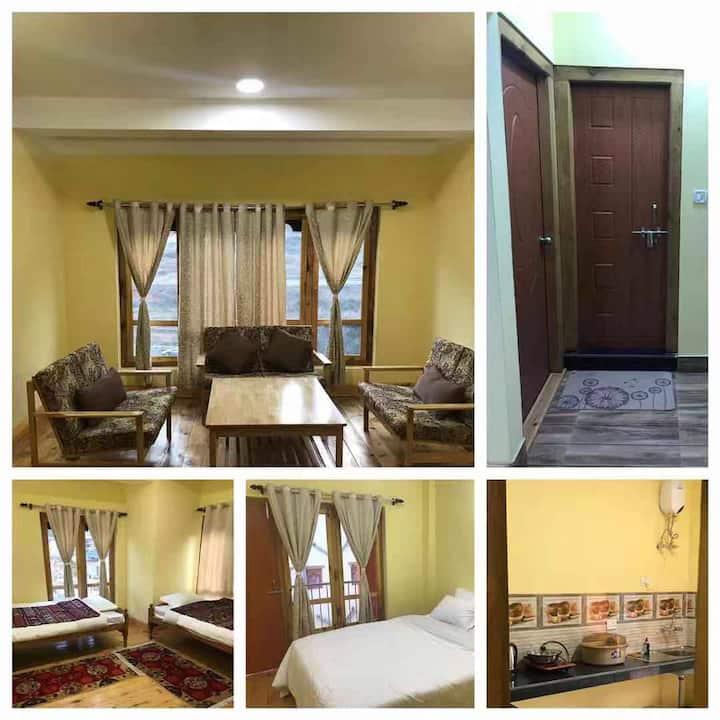 Shedrub Residency Inn. Mountain View Apart for $50
