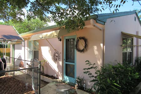 House for Rent in Delray Beach FL - Dům