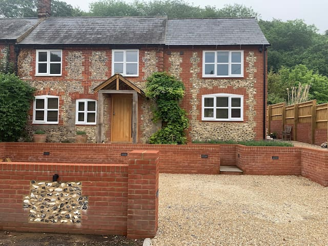 Beautiful Country Cottage, Great Missenden (2)