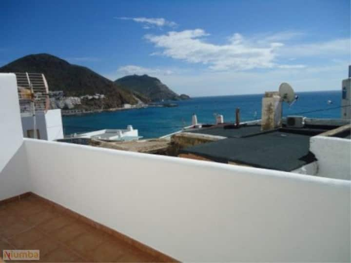 Apartamento con vista al mar. wifi