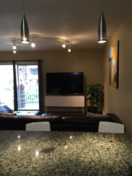 Living Room with 65' in Smart TV