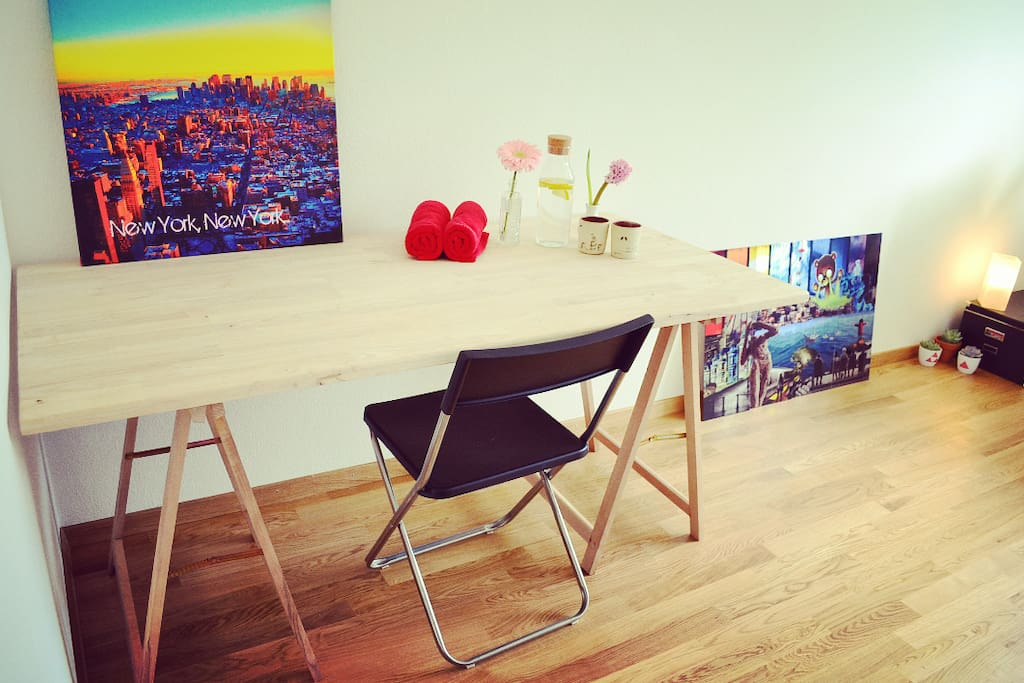 the arty desk in your room