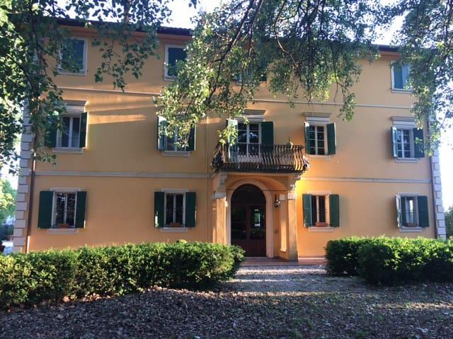 Villa Gioia - San Giorgio di piano - Guest suite