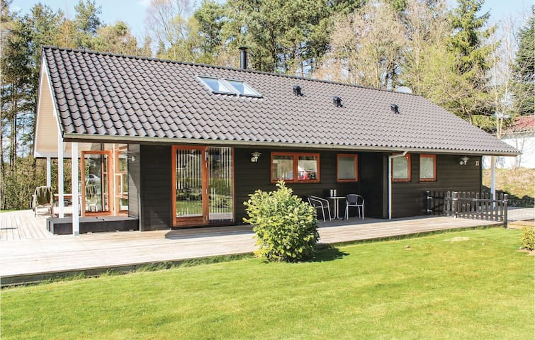 Holiday cottage with 3 bedrooms on 91m² in Ebeltoft