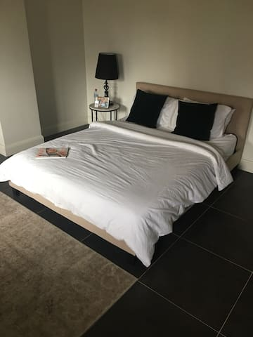 Private room in Paddington sydney