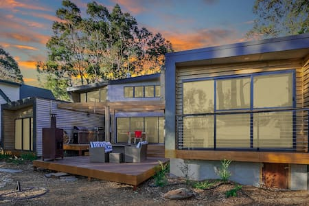 Mossy Point new 3bd/3ens architect designed home