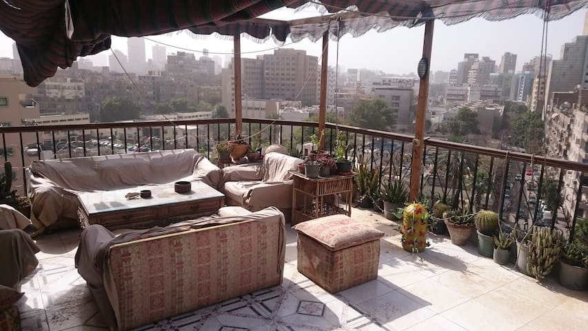 Cozy room in the best rooftop - Cairo - Apartamento