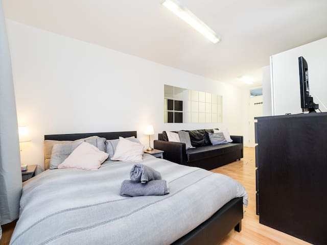 Top Floor Compact Apartment Notting Hill Free Wi-Fi