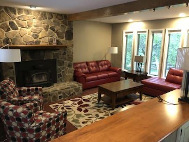 Betty's Lake House