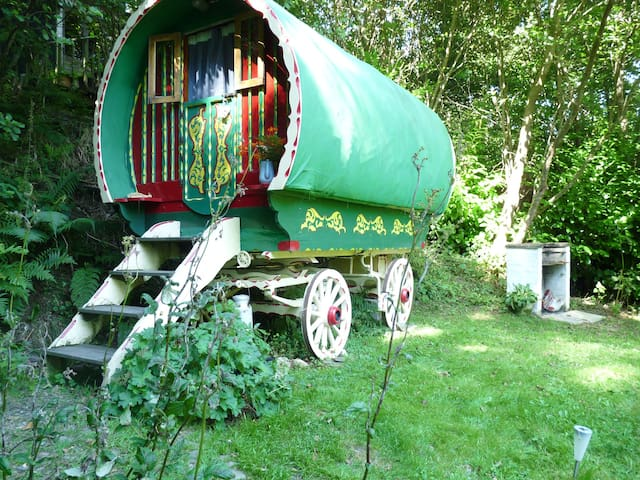 Romantic Romany Wagon, Perfect peace & seclusion - Ceredigion - Houten huisje