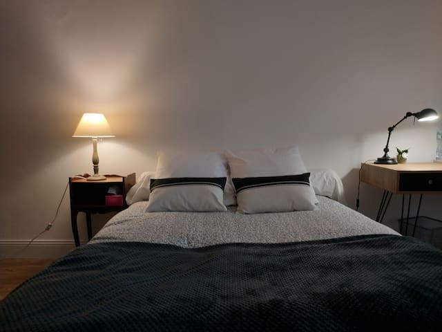 Bed & Breakfast 2: Centre Ville Parc Jourdan