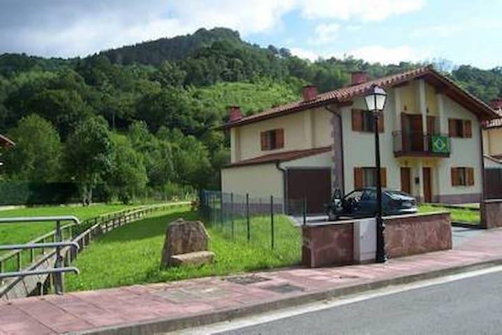 Casa Beheko Landa en Etxalar. Relax y comodidad