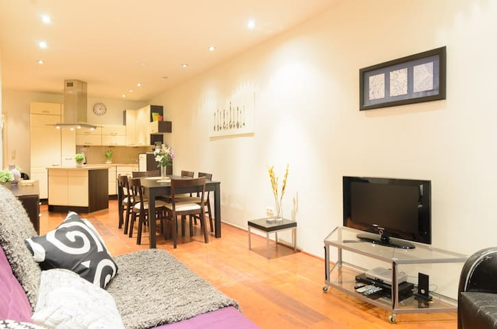 Central, luxurious 2 BEDROOM apartment - Amsterdam - Daire