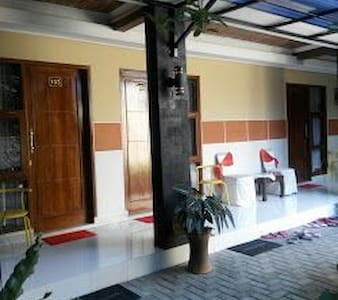 Nice and Cozy Room at Yogyakarta - Sleman - Bed & Breakfast