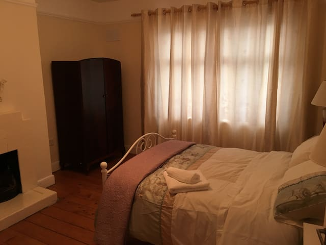 Cathedral Lodge - Double Room - Ground Floor